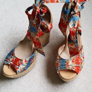 NWOT UGG sandals.